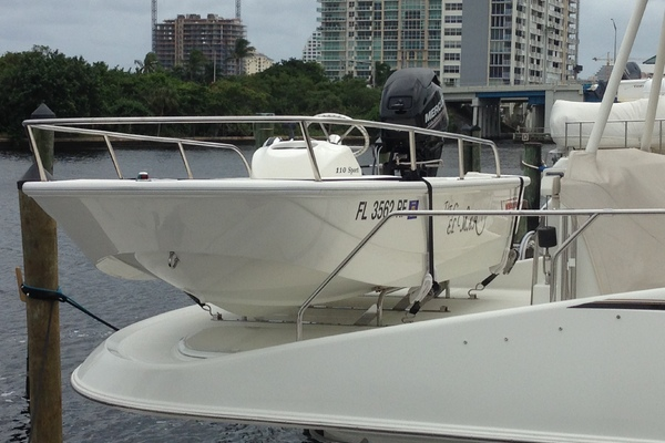 Picture Of: 57' Carver Voyager Pilothouse 2003 Yacht For Sale | 3 of 42