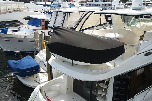 Picture Of: 57' Carver Voyager Pilothouse 2003 Yacht For Sale | 4 of 42