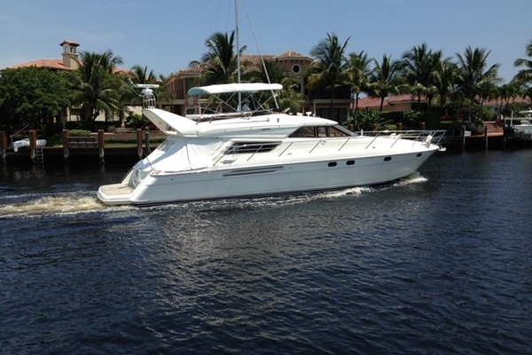 60' Viking Princess Sport Cruiser 2000 | Amenities