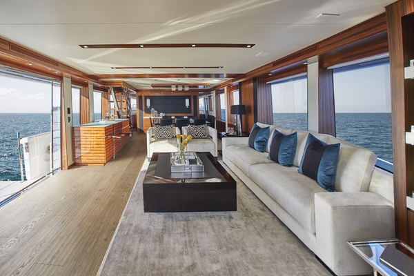 2020 Hatteras 90' M90 M90 | Picture 5 of 7