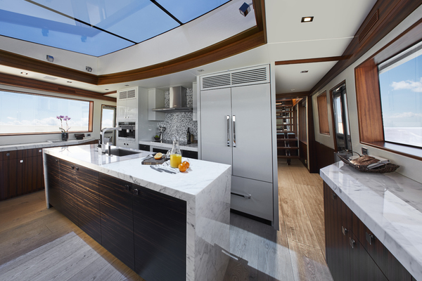 2020 Hatteras 90' M90 M90 | Picture 2 of 7