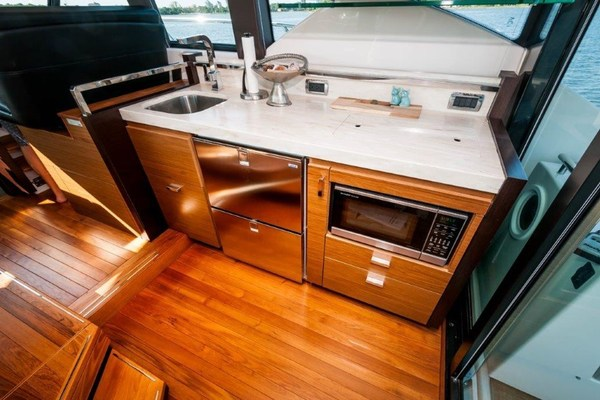 Picture Of: 44' Tiara 44 Coupe 2016 Yacht For Sale | 4 of 43