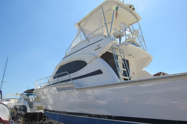 Picture Of: 44' Bertram 390 Convertible 2005 Yacht For Sale | 3 of 23