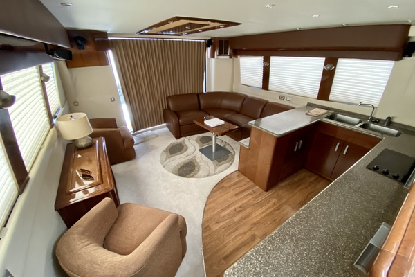 Picture Of: 56' Carver 56 Voyager 2007 Yacht For Sale | 3 of 62