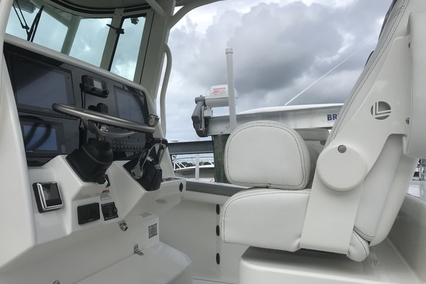 Picture Of: 32' World Cat 320 CC 2019 Yacht For Sale   2 of 29