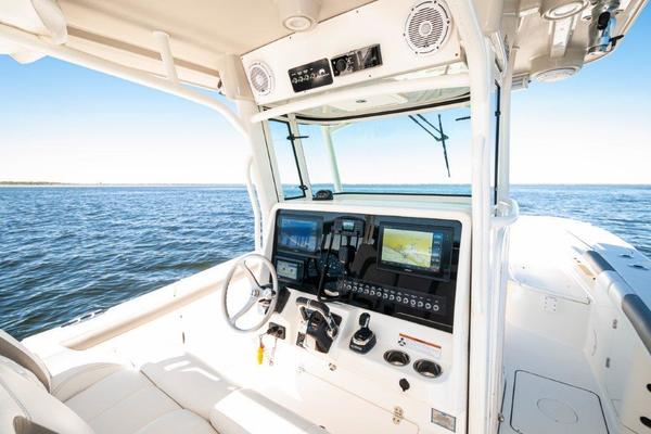 Picture Of: 32' World Cat 320 CC 2019 Yacht For Sale   3 of 29