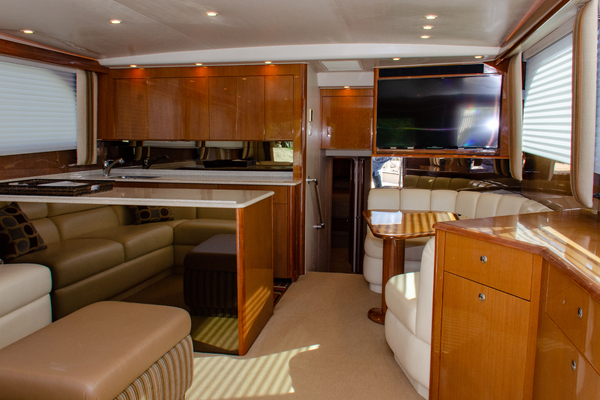 Picture Of: 52' Viking 52 Convertible 2005 Yacht For Sale | 3 of 62