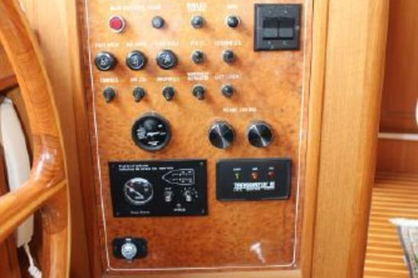 2000 Ocean Alexander 54' 548 Pilothouse  | Picture 4 of 101