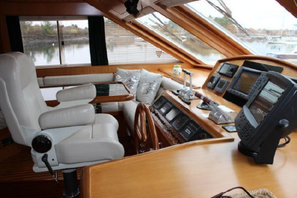 2000 Ocean Alexander 54' 548 Pilothouse  | Picture 8 of 101