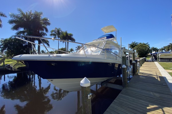 35-ft-Everglades-2008-Center Console-Straight Up Stuart Florida United States  yacht for sale