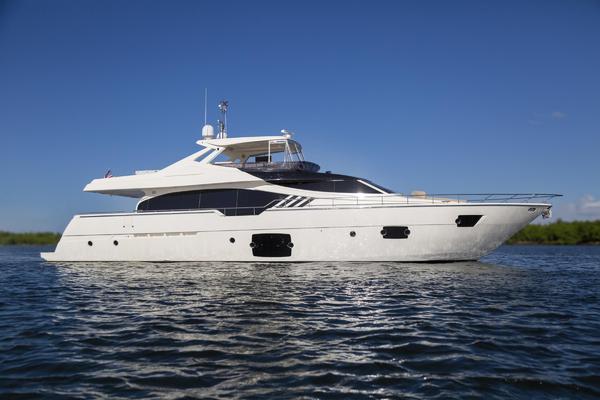 87' Ferretti Yachts 870 Flybridge 2013   True