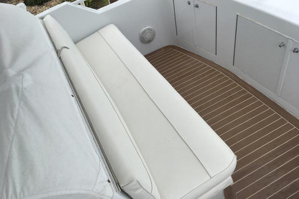 2000 Hatteras 50' 50 Flybridge Mad Hatter | Picture 3 of 54