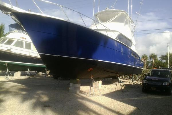 Picture Of: 50' Hatteras 50 Flybridge 2000 Yacht For Sale | 3 of 54