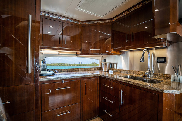 Picture Of: 53' Regal Sport Coupe 2014 Yacht For Sale | 3 of 6
