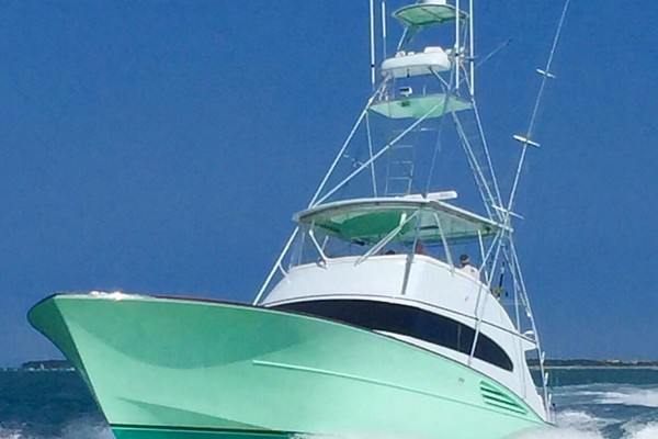 Picture Of: 61' Garlington 61 Convertible 2001 Yacht For Sale | 2 of 63