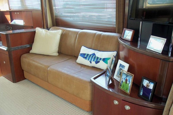 Picture Of: 52' Sea Ray Sedan Bridge 2005 Yacht For Sale | 4 of 45