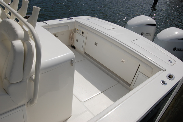 Picture Of: 31' Regulator 31 Center Console 2019 Yacht For Sale | 4 of 59