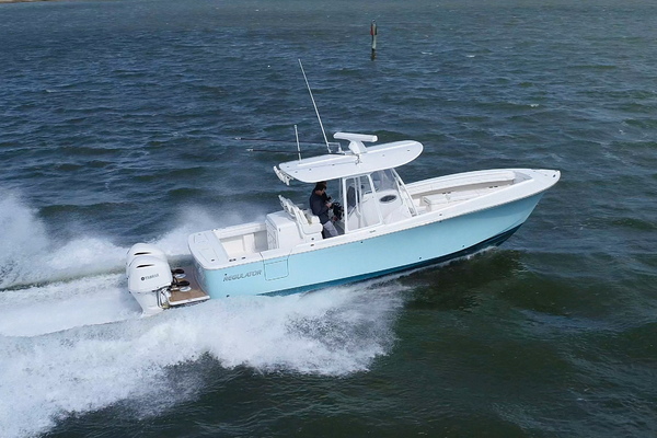 Picture Of: 31' Regulator 31 Center Console 2019 Yacht For Sale | 3 of 59