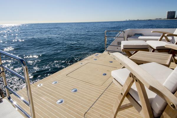 2020Outback Yachts 56 ft Dealer Demo