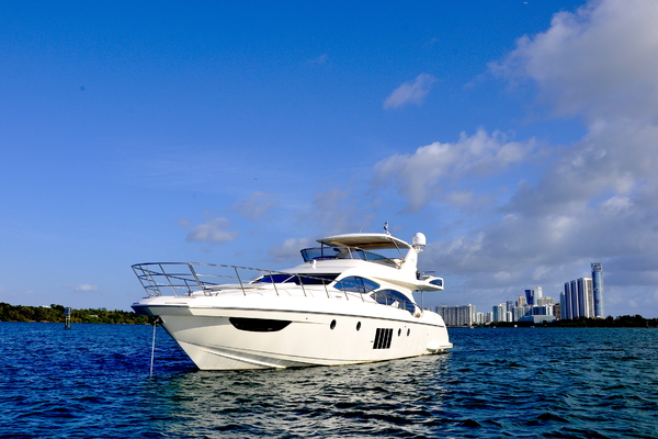 2012 Azimut 70' 70 Flybridge PRIVATE RESERVE   Picture 8 of 32