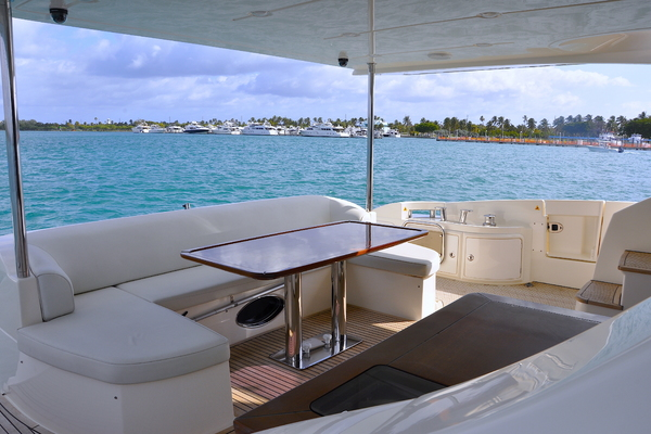 Picture Of: 70' Azimut 70 Flybridge 2012 Yacht For Sale | 4 of 32