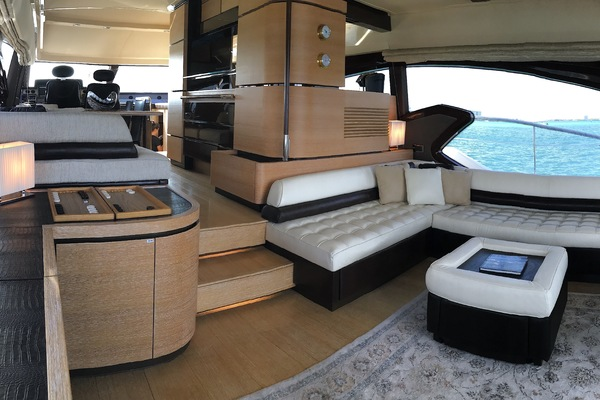 2012 Azimut 70' 70 Flybridge PRIVATE RESERVE   Picture 6 of 32