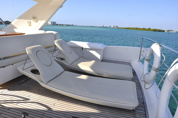 2012 Azimut 70' 70 Flybridge PRIVATE RESERVE   Picture 2 of 32