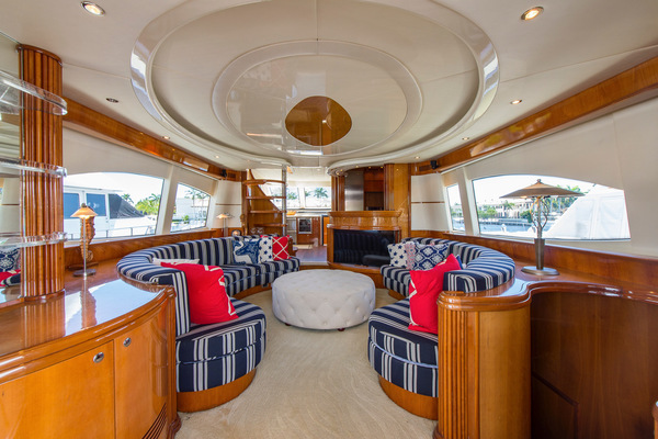 Picture Of: 73' Azimut 70 Sea Jet 2000 Yacht For Sale   3 of 48