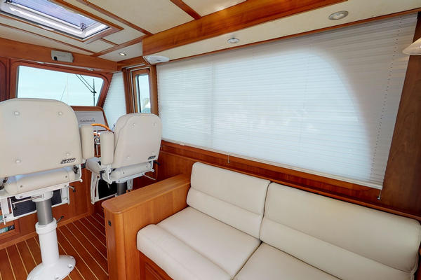 Picture Of: 42' Sabre 42 Salon Express 2016 Yacht For Sale | 4 of 42