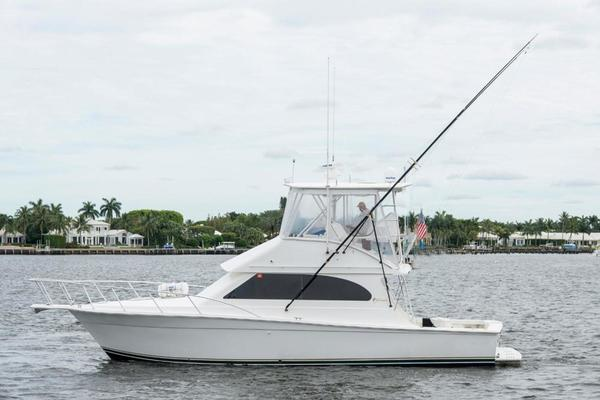 37' Egg Harbor 37 Convertible 2002 | Evelyn
