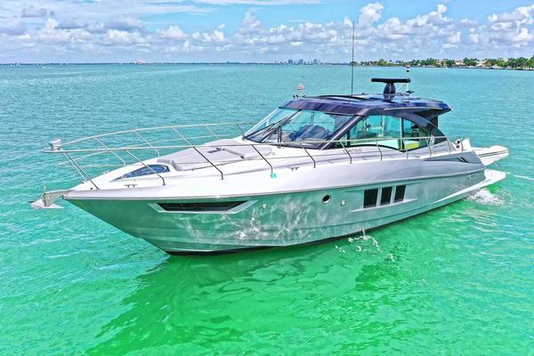 45' Cruisers Yachts 45 Cantius 2015 |