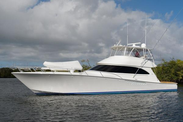 66' Viking 66 Convertible 2013 | Shooter