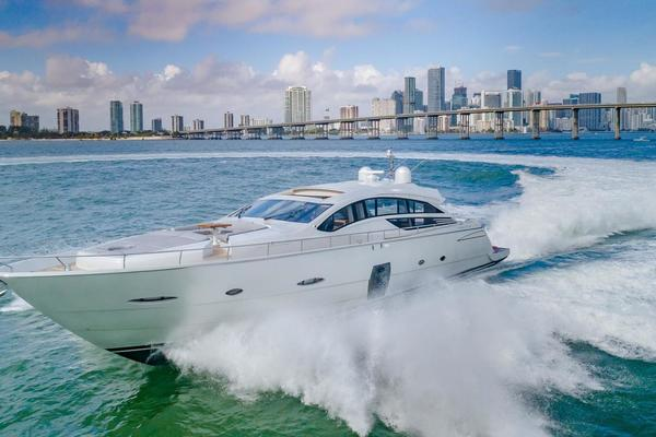 80' Pershing Motor Yacht 2012 | Press Buy