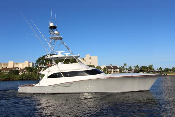 75' Weaver Convertible With Tower 2017 | Sterling