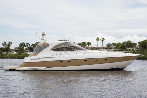 58' Cruisers Yachts 540 Express 2004 | Just Us