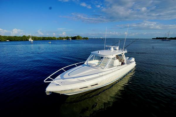 37-ft-Intrepid-2014-375 Walkaround-Sliced Limes Stuart Florida United States  yacht for sale