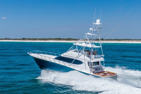 Picture Of: 70' Hatteras GT70 2017 Yacht For Sale | 2 of 51