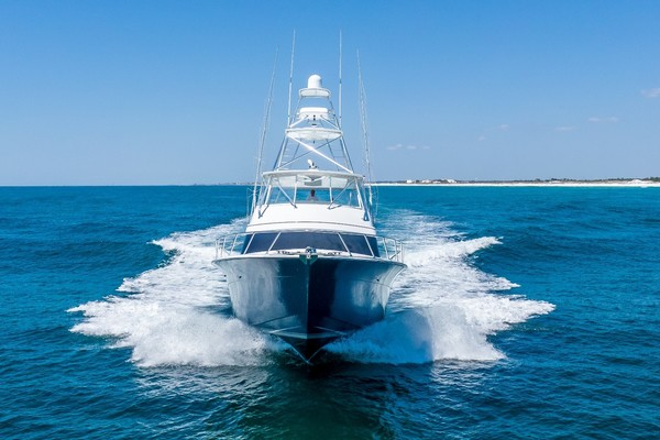 Picture Of: 70' Hatteras GT70 2017 Yacht For Sale | 4 of 51
