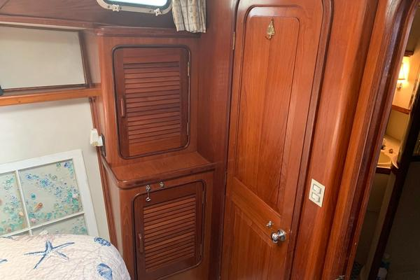 1988 Gulfstar 49' 49 Motor Yacht Rhon Da Voux   Picture 3 of 79