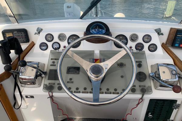 1988 Gulfstar 49' 49 Motor Yacht Rhon Da Voux   Picture 2 of 79