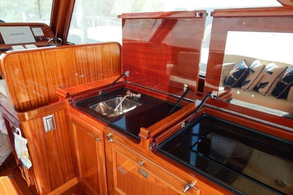 Picture Of: 41' Windsor Craft by Vicem Yacht 40' Hardtop 2009 Yacht For Sale | 4 of 16