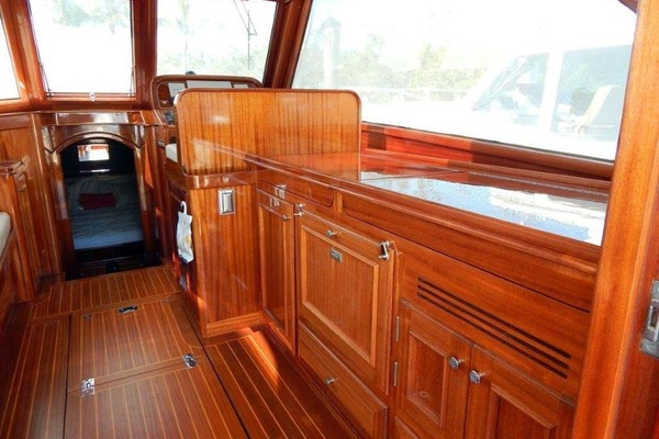 Picture Of: 41' Windsor Craft by Vicem Yacht 40' Hardtop 2009 Yacht For Sale | 3 of 16