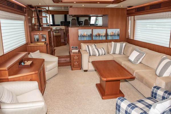 Picture Of: 65' Hampton Endurance 2015 Yacht For Sale | 4 of 76