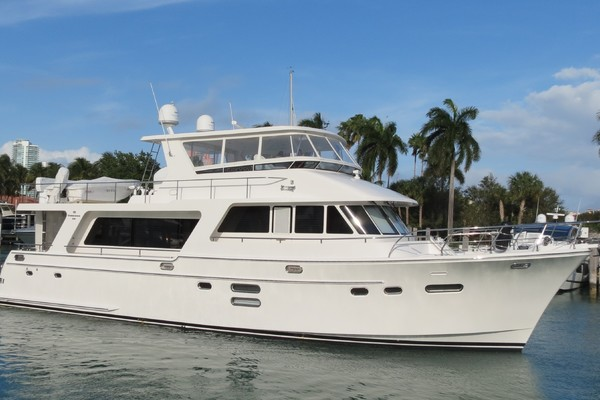 Picture Of: 65' Hampton Endurance 2015 Yacht For Sale   1 of 77