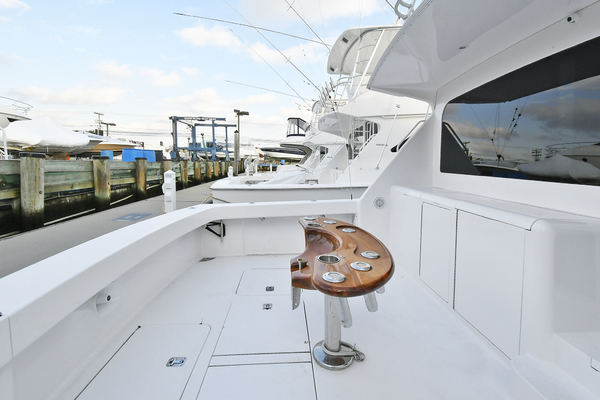 Picture Of: 45' Viking 45 Convertible 2005 Yacht For Sale | 4 of 23