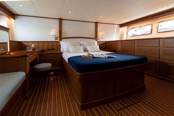 2020 Hunt Yachts 63' Ocean 63 OCEAN 63 | Picture 3 of 8