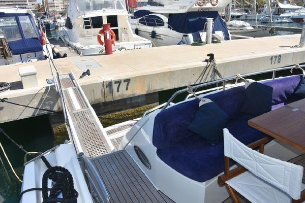 Picture Of: 60' Sunseeker 60 2006 Yacht For Sale | 2 of 13