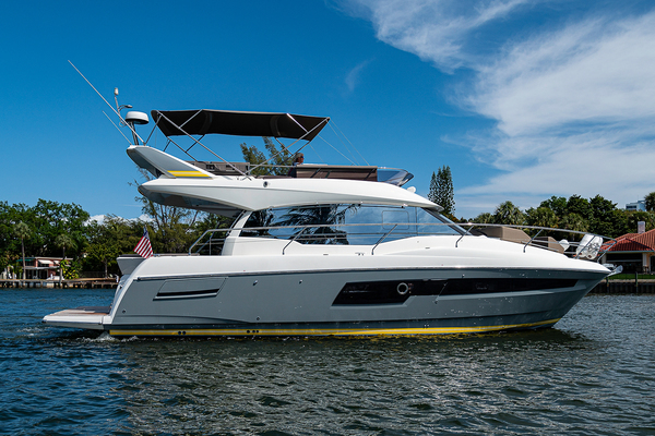 Picture Of: 45' Prestige 460 Flybridge 2018 Yacht For Sale | 4 of 47