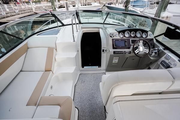 2013Sea Ray 37 ft Venture   Nomad
