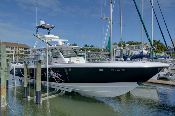 Picture Of: 42' Everglades 435cc 2017 Yacht For Sale | 3 of 126